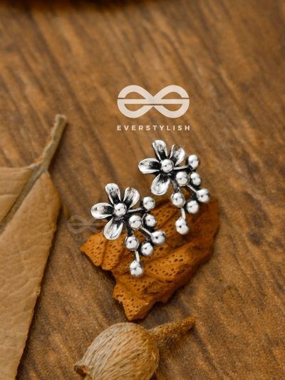 The Little Dotted Floral Studs - Tiny Trinket Earrings