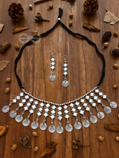 The bohemian Reflection - Set Mirror-work choker and Earrings with coin detailing