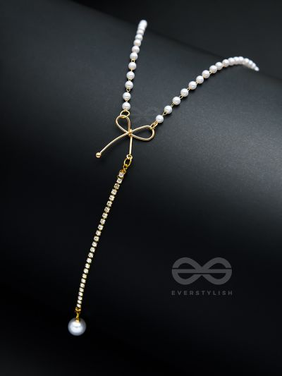 WEAR ME KNOT! pearl and bow detailed necklace