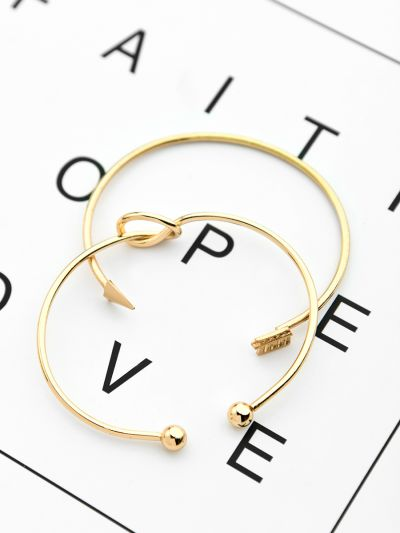 The Knot and Arrow Set of Two Bracelets - Golden